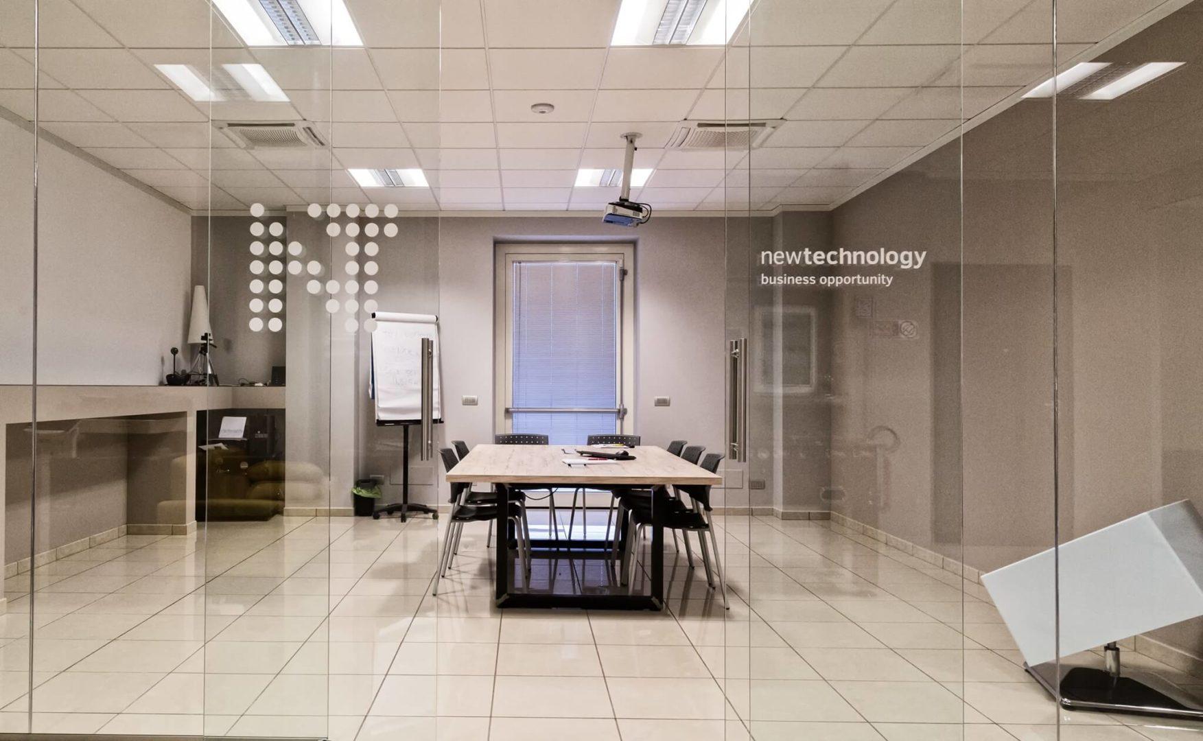 ufficio new technology